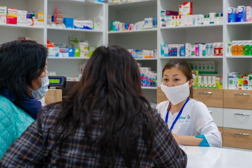 Алматинцев будут оперативно обеспечивать лекарствами