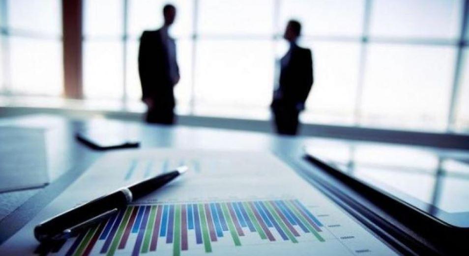 Рост экономики Казахстана сдерживает падение торговли и сферы транспорта