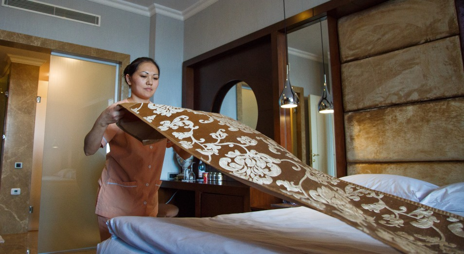 Отели и гостиницы поднимают цены, несмотря на отток клиентов