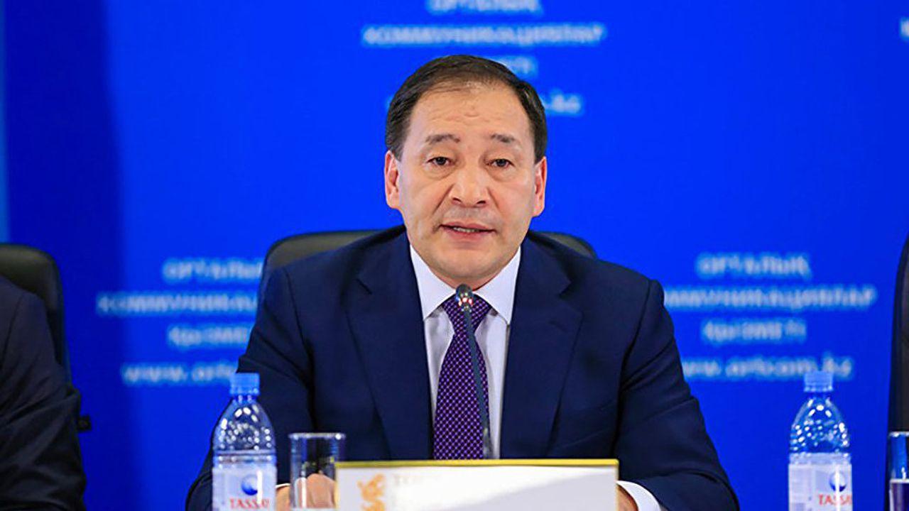 Правительство Казахстана обещает в ближайшее время устранить дефицит жаропонижающих и антивирусных препаратов в аптеках