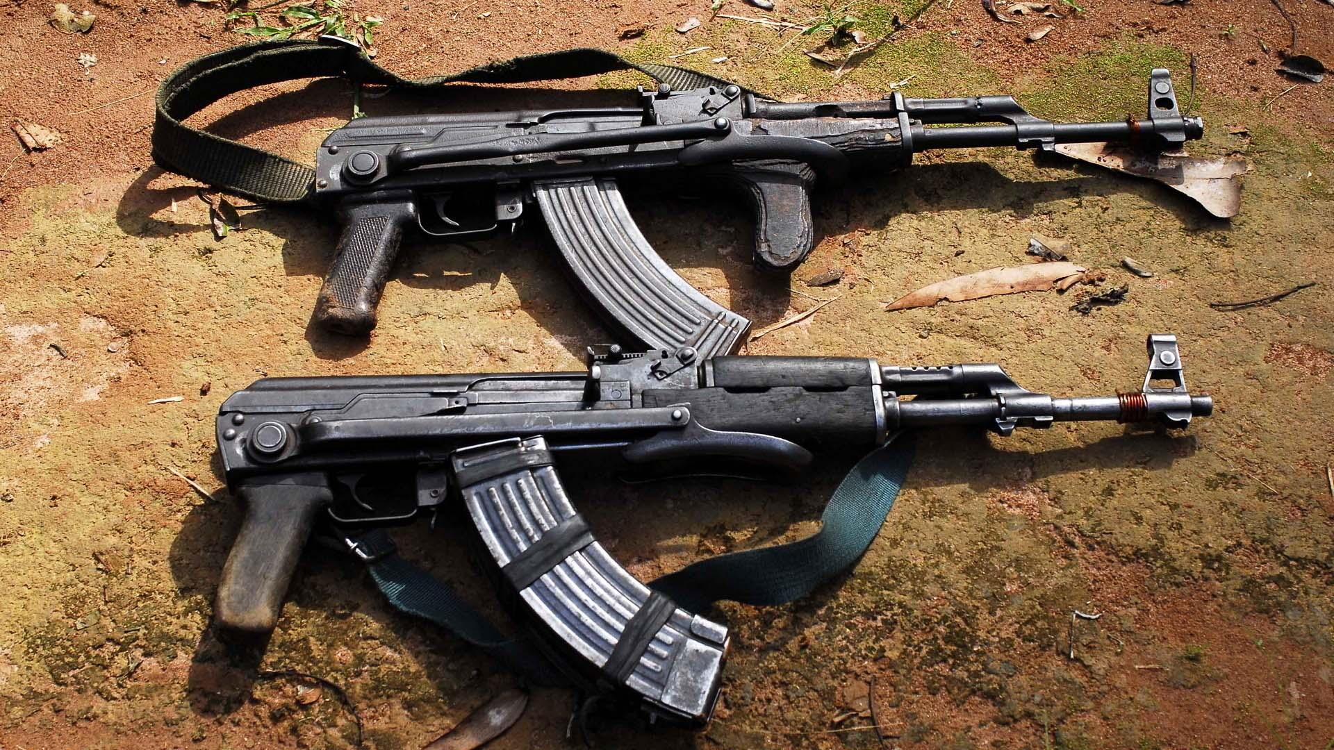 Два автомата Калашникова нашли пограничники у казахстанца