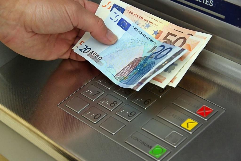 ЕС усиливает контроль за движением наличных денег