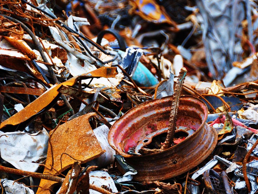 В Усть-Каменогорске и Семее проверят законность пунктов приема металлолома