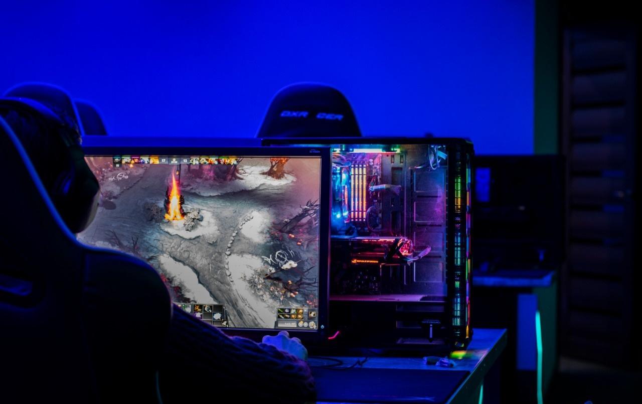 Ночью в компьютерном клубе в Нур-Султане полиция застала около 60 геймеров