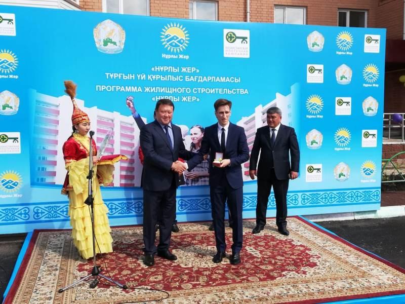 «Нурлы жер» в Петропавловске: более 100 очередников получили квартиры