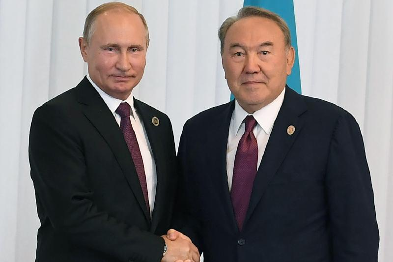 Назарбаев и Путин обсудили российско-украинские отношения