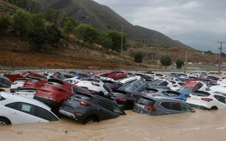Число погибших из-за сильных дождей в Испании возросло до шести