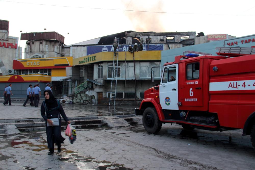 Пожар на крупнейшем рынке в Кыргызстане потушен