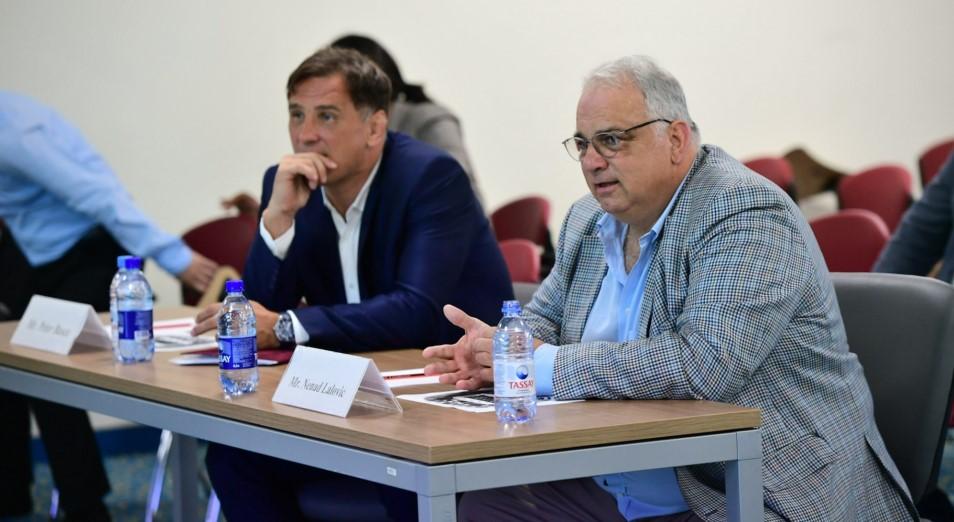 Казахстан посетила техническая делегация Объединенного мира борьбы (UWW)