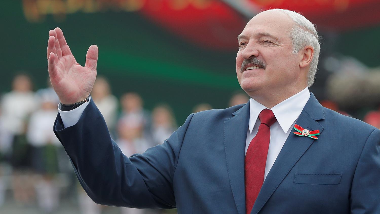 Лукашенко лидирует по результатам голосования на закрытых участках в пяти регионах, у него 82% – глава ЦИК