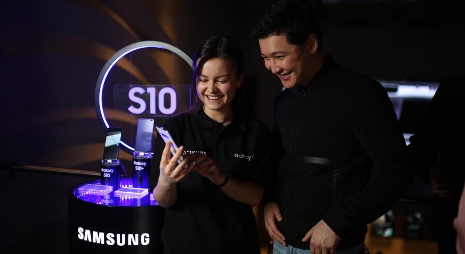 Samsung показал Galaxy S10 в Казахстане до старта продаж
