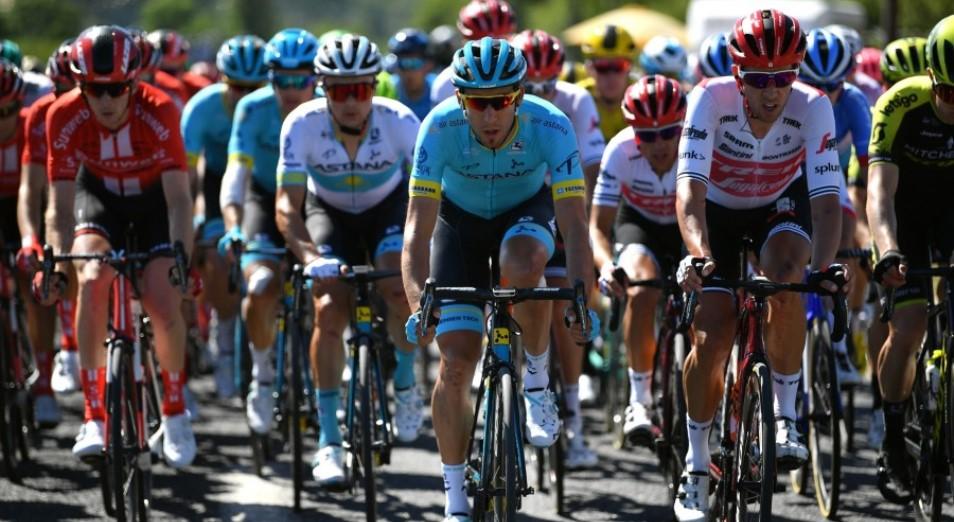«Тур де Франс»: гонщики «Астаны» снова в завале