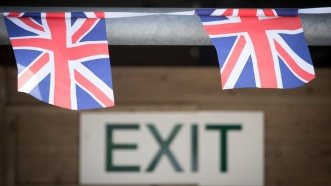 Келісімсіз «Брексит» экономиканы әлсіретеді
