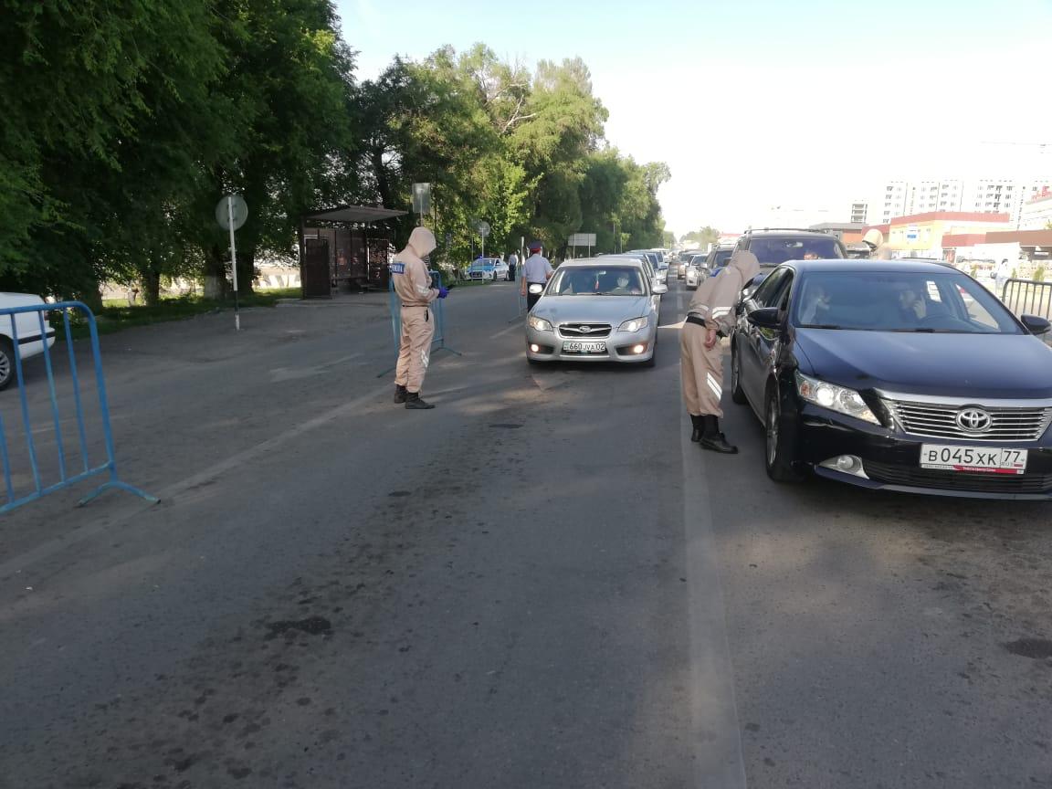 В Алматы вдвое увеличили количество полицейских на блокпостах
