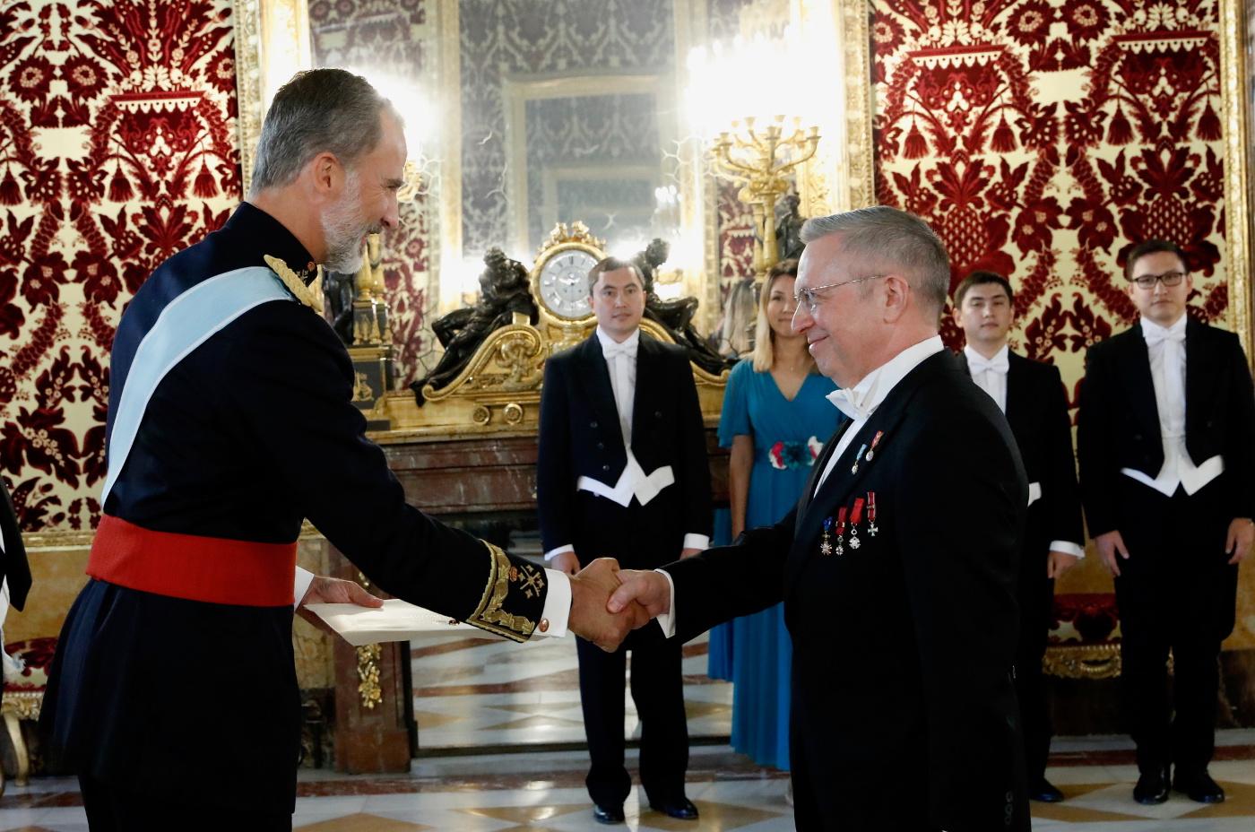Посол Казахстана в Испании вручил верительные грамоты Королю