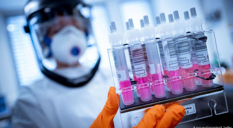 В России первой в мире зарегистрирована вакцина от коронавируса – Путин