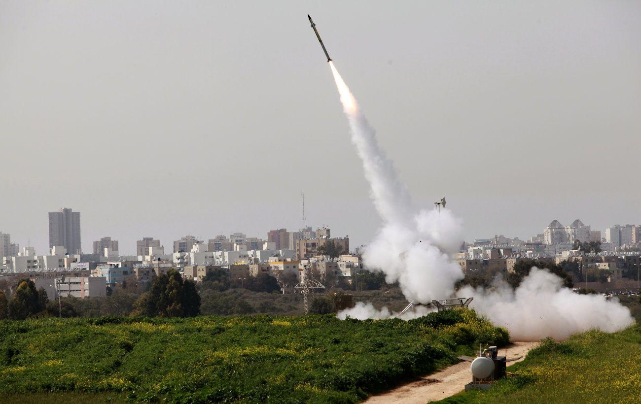 Истребители Израиля поразили военные цели ХАМАС в Газе в ответ на запуск ракеты
