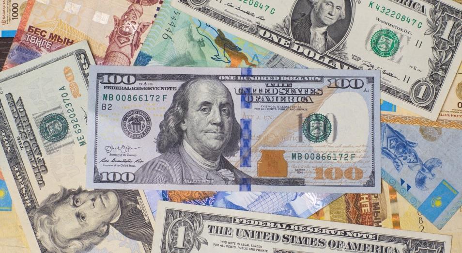 Долларизация вкладов продолжает снижаться
