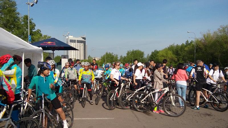 В Астане прошёл массовый велопробег