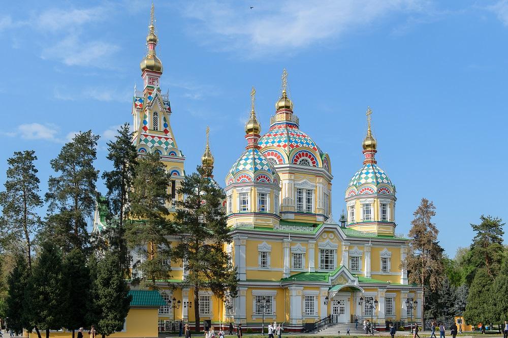 Можно совершить виртуальный тур по Вознесенскому собору в Алматы