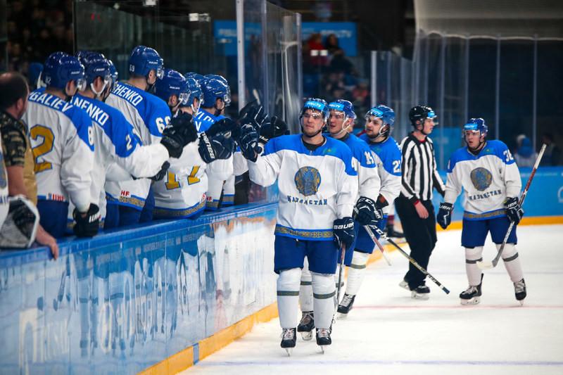 Сборная Казахстана по хоккею одержала победу над шведами на Универсиаде-2019