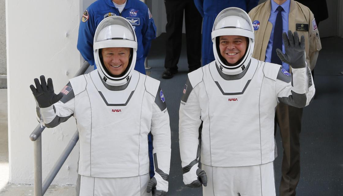 Ойынға оралу: SpaceX кемесі орбитаға 2 астронавт әкетті