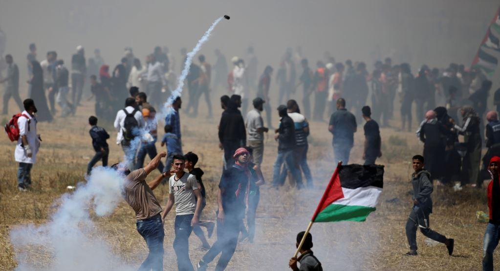 В секторе Газа протестующие призывают ХАМАС к новым ударам по Израилю