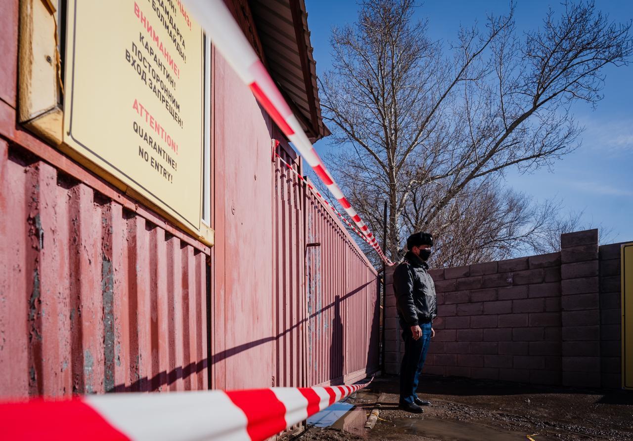 В Нур-Султане четыре подъезда в разных ЖК взяли на карантин