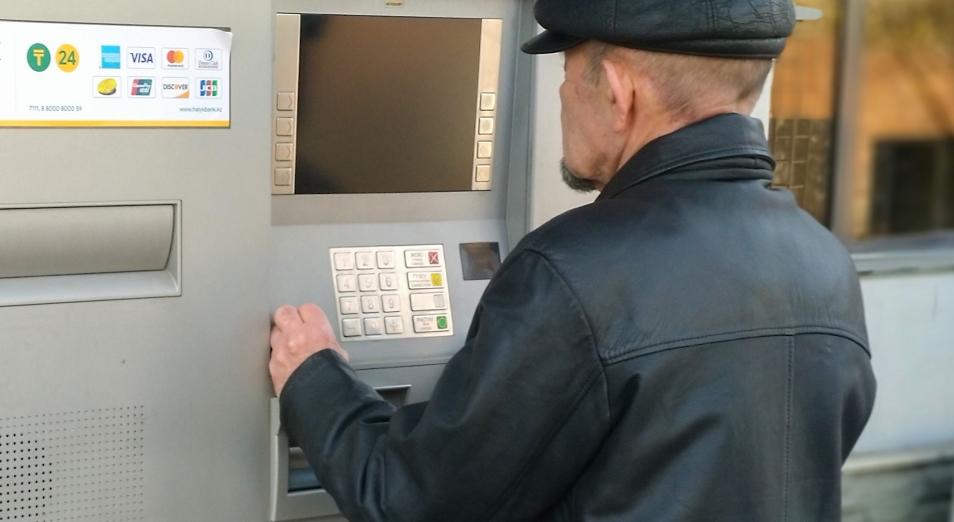 Количество банкоматов в РК перевалило за 12 тысяч
