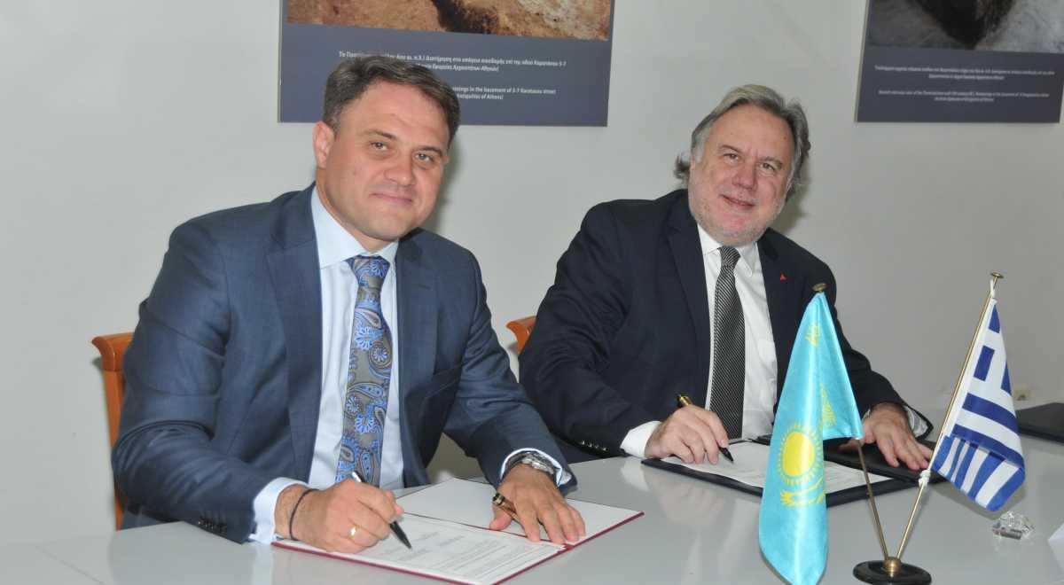 Казахстан и Греция в будущем намерены отменить визы для владельцев служебных паспортов