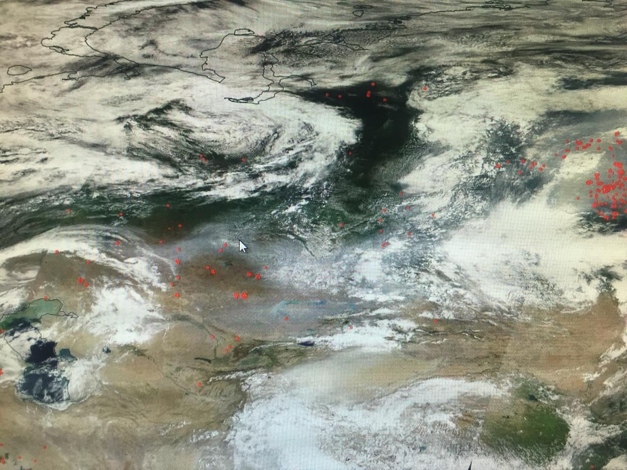 Шлейф от пожаров в Сибири накрыл Казахстан