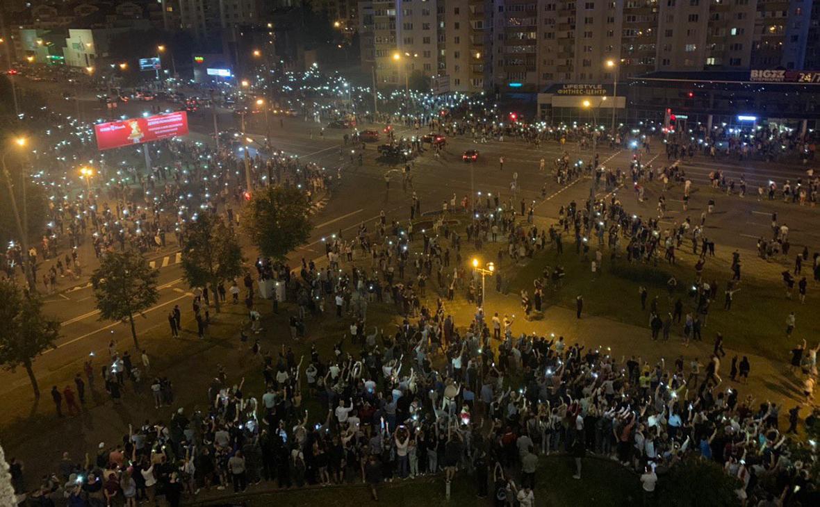 Протестующие в Минске требуют отставки А. Лукашенко