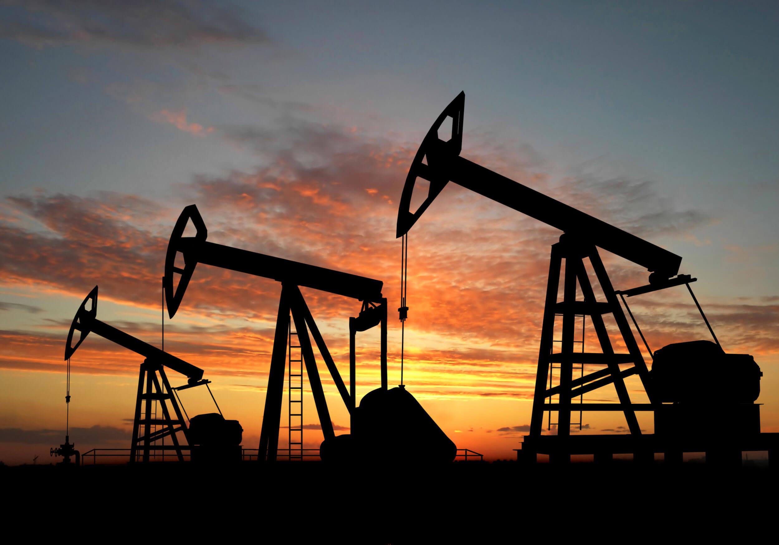 Иран добился исключения из сделки по сокращению добычи нефти