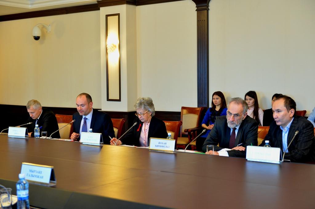 Мами обсудил систему отбора судей с членами Европейской комиссии за демократию
