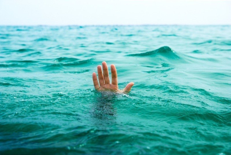 Двое мужчин пытались спасти ребенка и утонули в ВКО