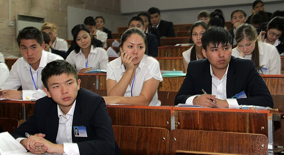 403 студент білім депозитімен оқып жатыр