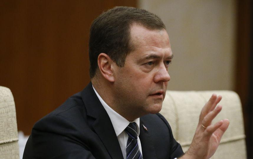 РФ премьер-министрі Дмитрий Медведев Астанаға келіп жетті