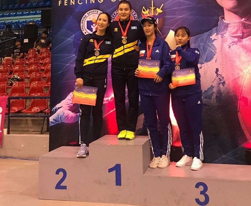 Казахстанка стала чемпионкой Азии по фехтованию