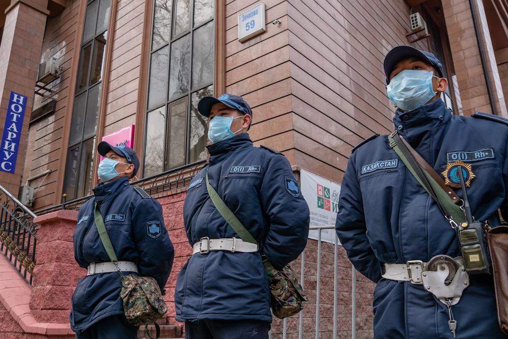В Казахстане вступил в силу режим локдауна