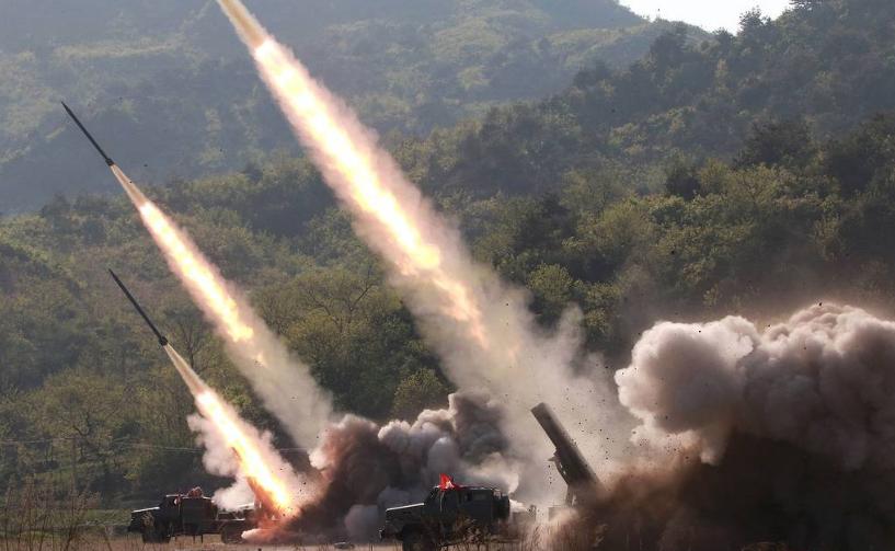 СМИ КНДР опубликовали фотографии вчерашних учений с запуском ракет