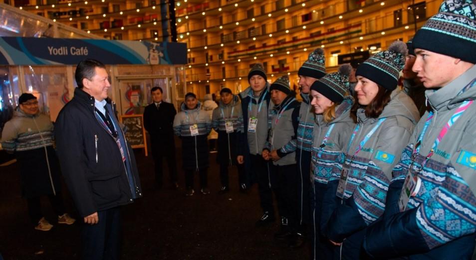 Тимур Құлыбаев Лозаннада қазақстандық спортшылармен кездесті