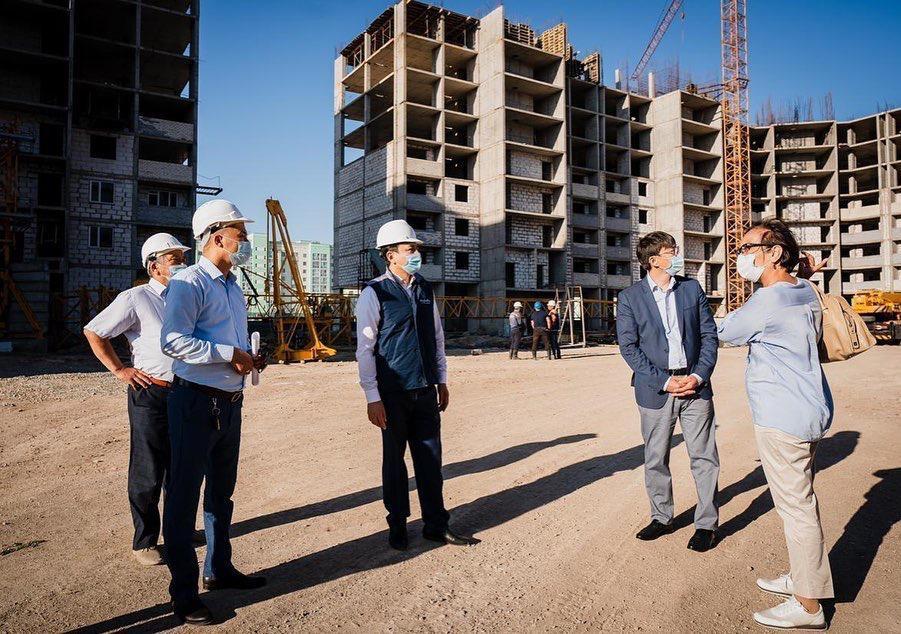 В Нур-Султане возобновлено строительство проблемного долгостроя