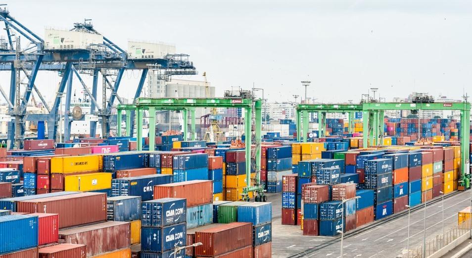 Казахстан сократил экспорт на $800 млн с начала года