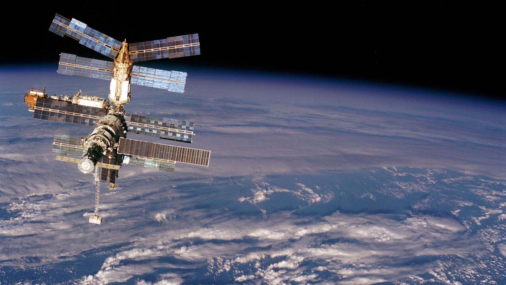Россия и США обсудят перспективы использования МКС и безопасность экипажа