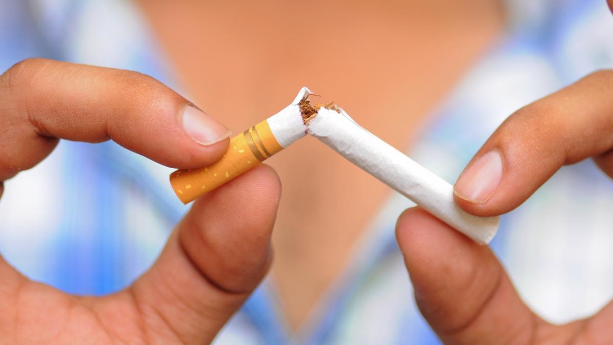 Число курильщиков по всему миру впервые идет на снижение