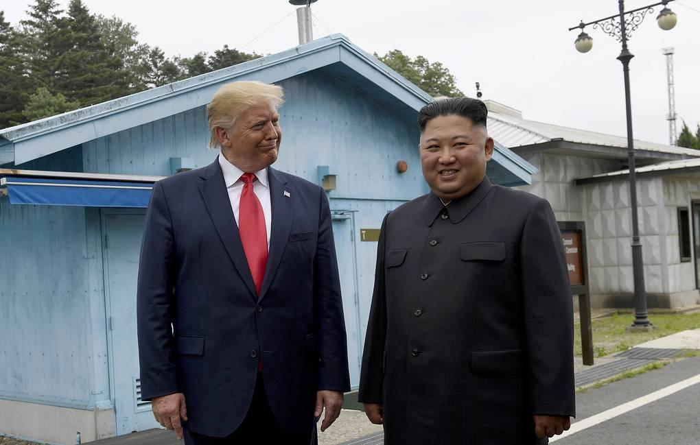 Трамп получил от Ким Чен Ына письмо с предложением провести встречу