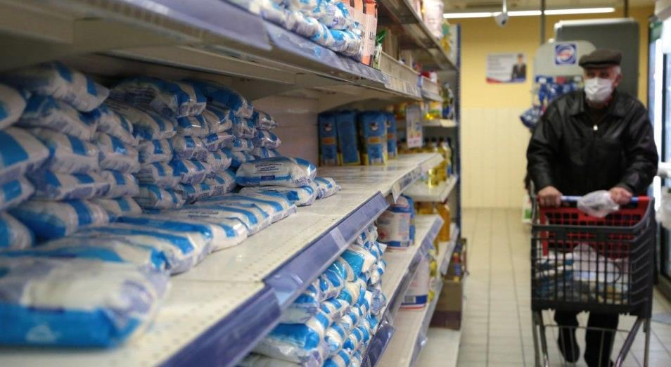 В Павлодаре раскупили почти весь сахар