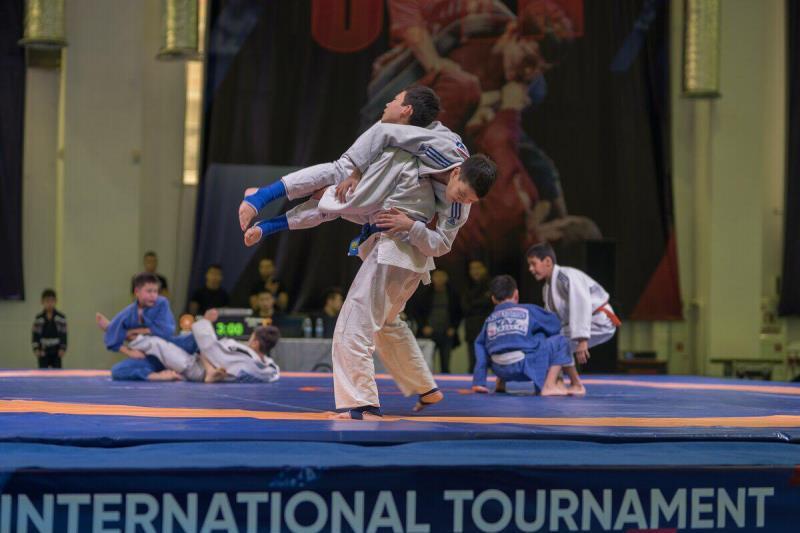 В Астане стартовал международный турнир по грэпплингу