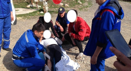 19-летнего парня спасатели эвакуировали из урочища Кок-Жайляу