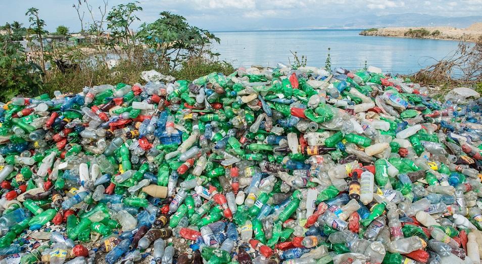 БҰҰ: Пластиктің салмағы балықтан да ауыр болмақ